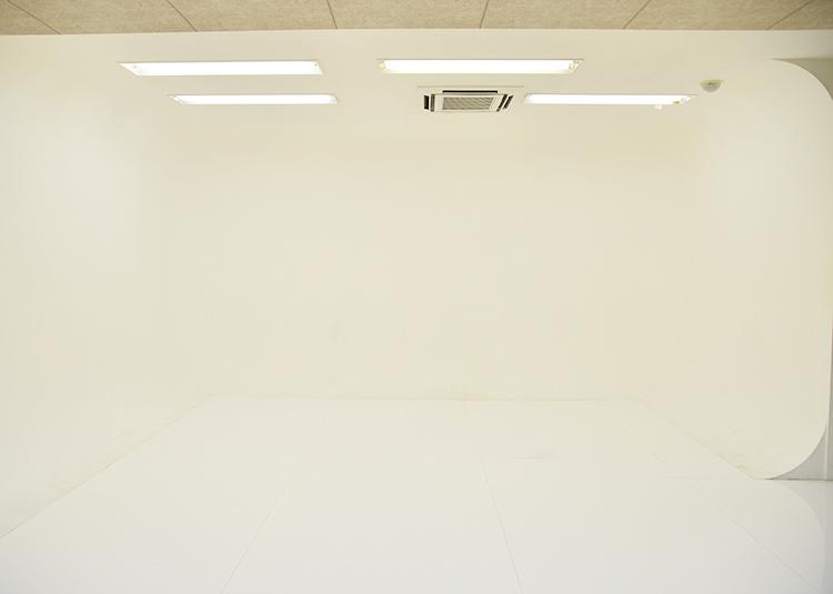 3号館窓側から白ホリ28mmの場合、全体