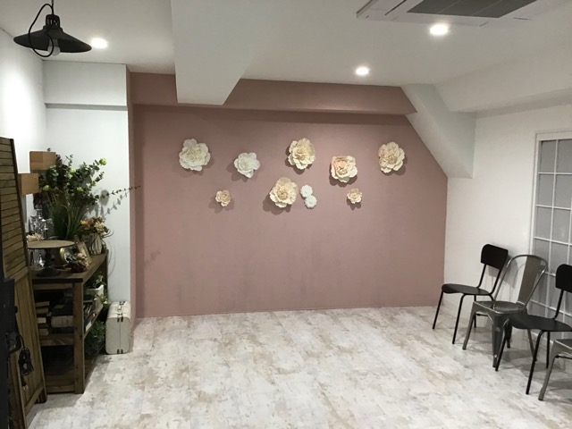 9号館ピンク壁